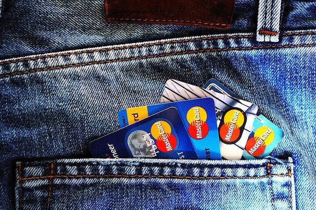 Rese- och kreditkort