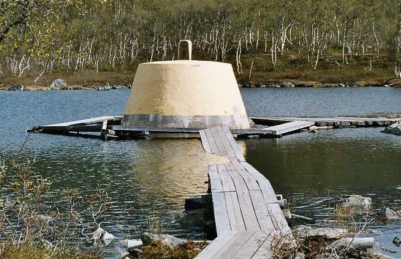 Treriksröset där Sverige, Norge och Finland möts och förenas.