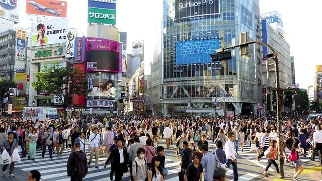 Den välkända krypkorsningen Shibuya Crossing i Tokyo.
