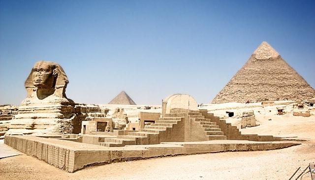 Sfinxen och Cheopspyramiden