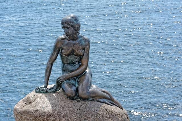 Den lille havfrue i Köpenhamn